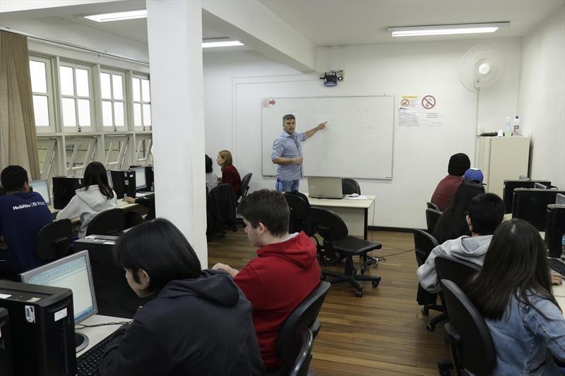 FAS oferece 3.108 vagas em cursos profissionalizantes gratuitos